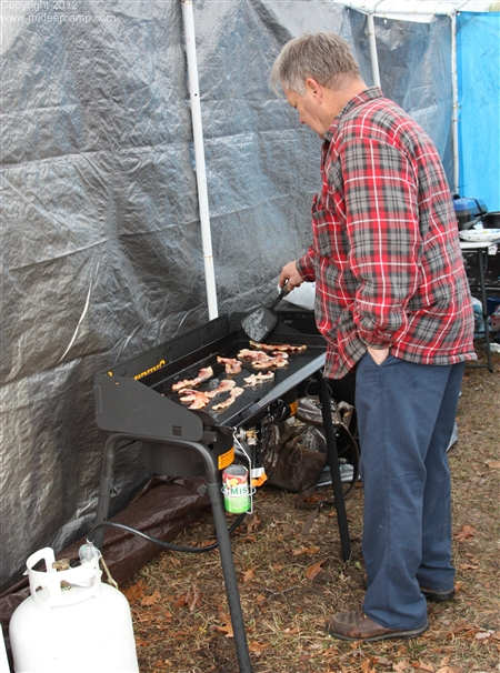 Larry cooking on the new griddle, pic14a